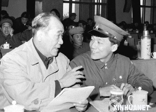 中国著名相声演员侯耀文突发疾病去世