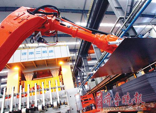 长安,长城,它的车身和内部结构件,都有可能是济南二机床的设备生产