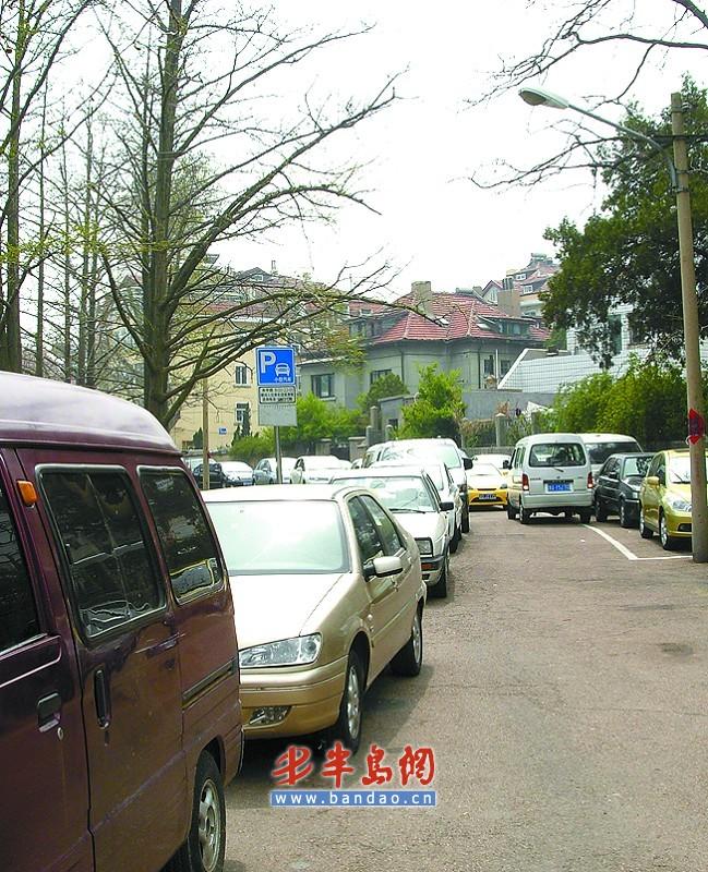中山公园(小西湖门):栖霞路停车场