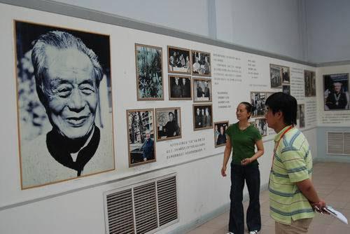 2008年6月19日,北京奥运火炬就在石河子艾青诗歌馆的所在