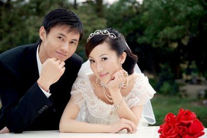 佩剑冠军仲满结婚照