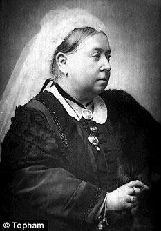 英国维多利亚女王的黑色丝袜将被拍卖(组图)