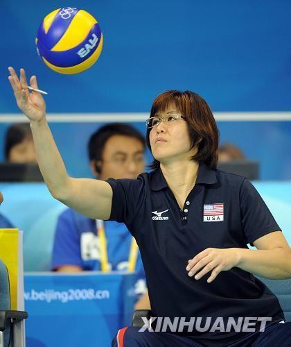 """郎平教练,这里成了美国女排的主场.   """"率美国队回北京打奥高清图片"""