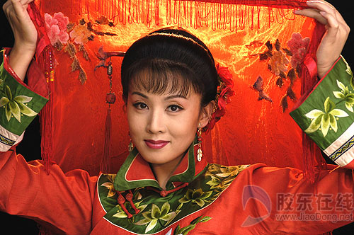 黄梅戏领军人物韩再芬港城演绎 徽州女人