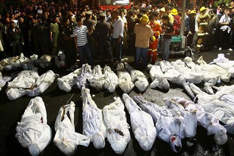 曼谷失火夜总会东主将被诉 火灾已致62人死(图)