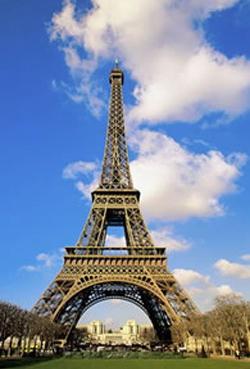 法国埃菲尔铁塔游客数量创新高