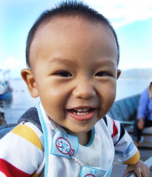 孩子的笑脸图片