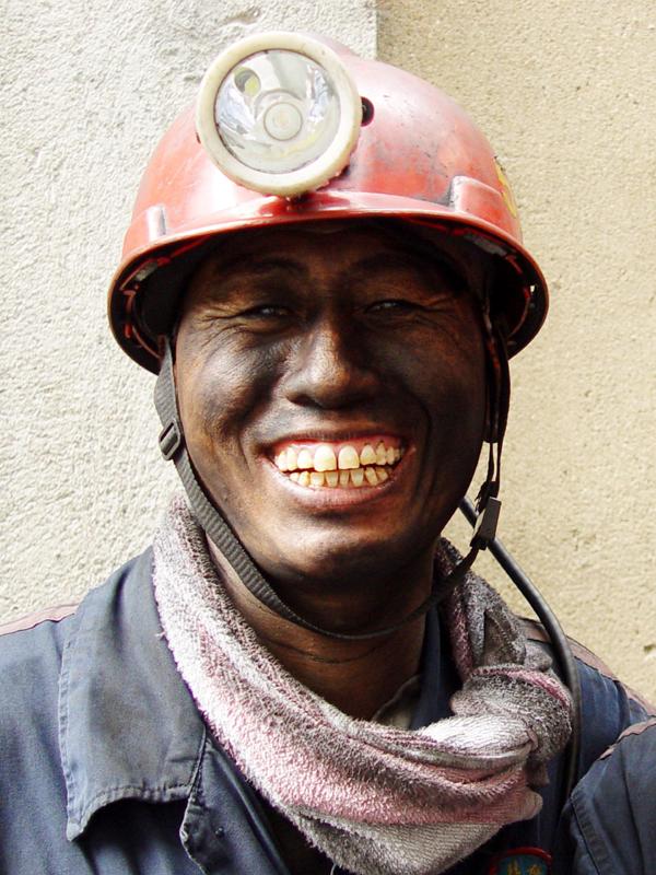 煤矿工人井下真实图片 煤矿井下