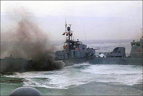 韩媒:黄海交火朝方舰艇为中国造62高速炮艇-交