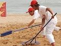 沙排赛中无私奉献的志愿者们