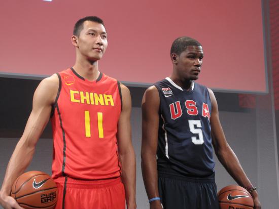 中国男篮世锦赛战袍正式亮相阿联肌肉线条