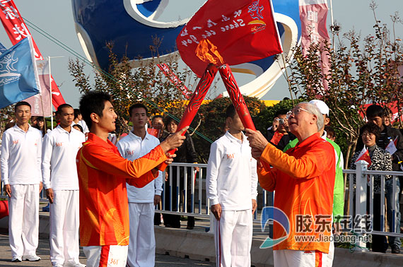 〈原创〉[七律] 第16届广州亚运会圣火传递 - 文学天使 - 桃花苑主
