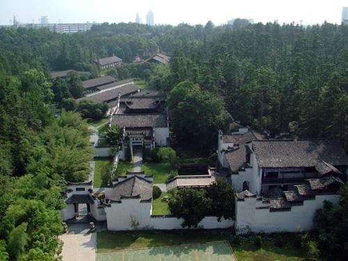 ...陶瓷历史博物馆是中国陶瓷专业博物馆.在江西省景德镇市瓷都...