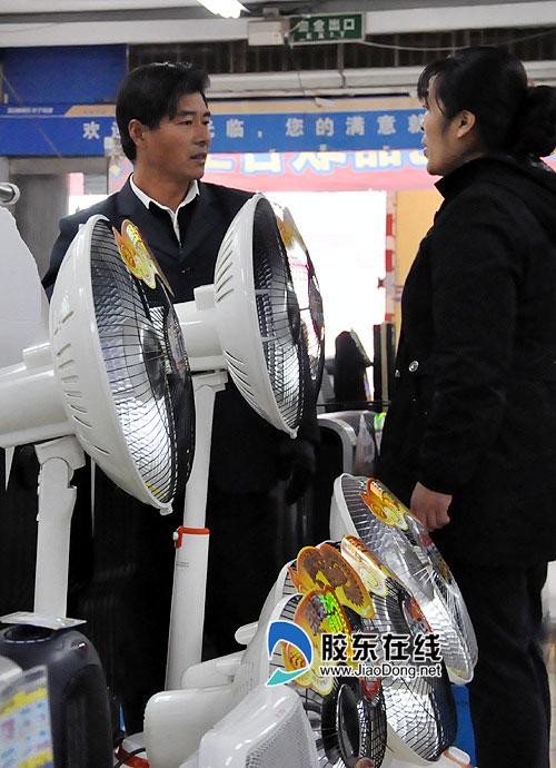 电暖器两天卖出一月量 部分电暖器卖出了空调价