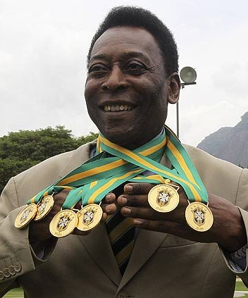 球王贝利40年后再获2殊荣 被追授6枚冠军奖牌