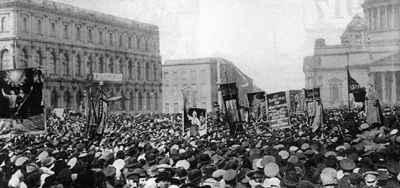 1917年3月15日俄国建立临时政府 历史今天 烟