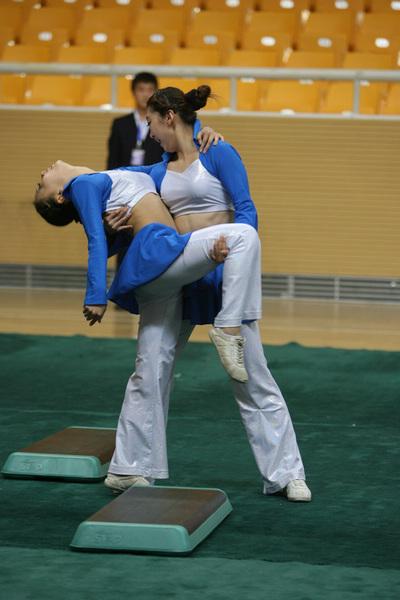 双人舞蹈动作造型