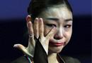 组图:金妍儿憾负日本选手 颁奖台上痛哭不止