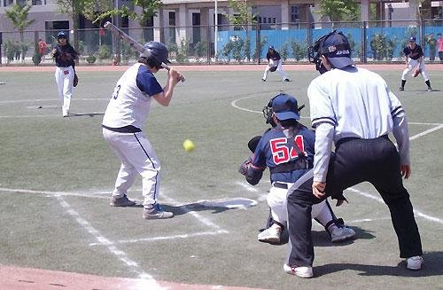 大学生棒垒球锦标赛开赛李敏宽徐若开球足球徐海图片