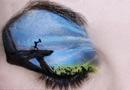 加拿大画家在眼皮上作画 展现迪斯尼场景(图)