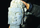 舜井街出土石雕菩萨像 为北朝晚期至隋代的文物