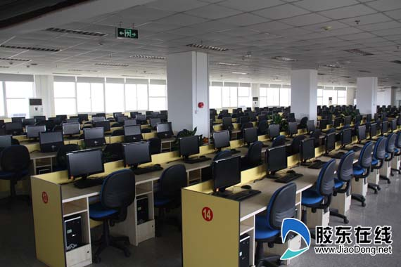 学院的计算机教室