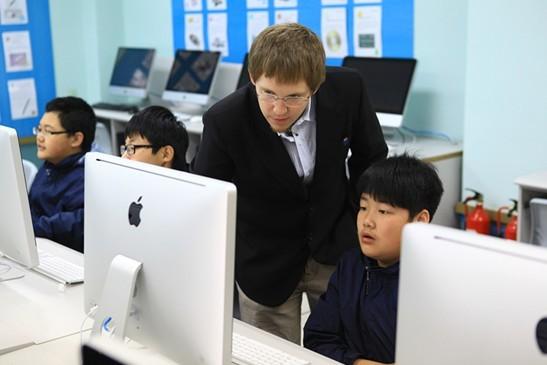 烟台耀华高中国际国际课程学校说明盒饭高中生图片