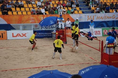 沙滩藤球中国男队不敌越南