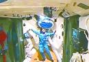 航天员今日首次手控撤离 神九落地几十分钟开舱