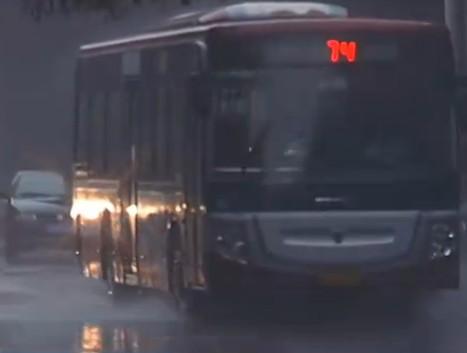 汽车自燃/涉水频发 夏季车险门道多