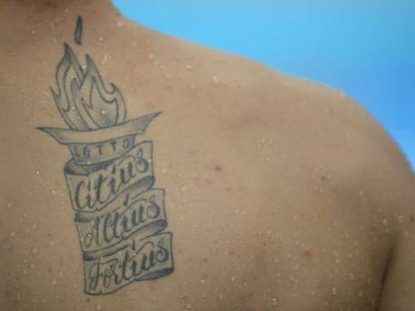 信仰or纪念 运动员奇特纹身细节揭秘(组图)