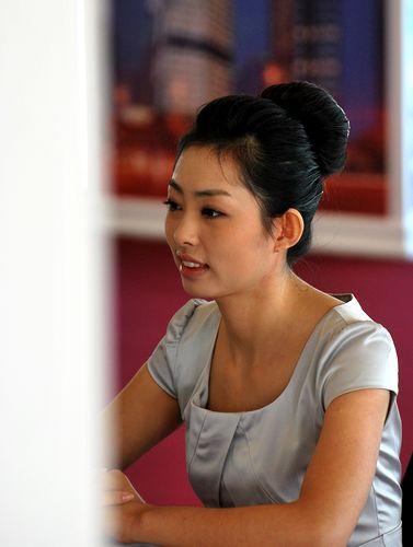 青岛 三百美女应聘海航空姐 竞争格外惨烈