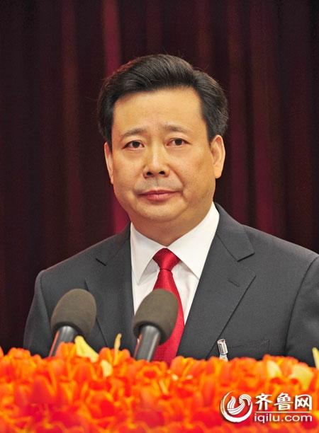 十八大代表风采录 青岛市委书记李群