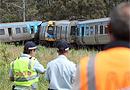 澳大利亚火车撞货车尾部致脱轨 1人遇难(图)