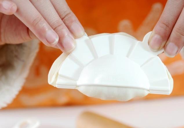 """网售包饺子""""神器"""" 包出的吃起来像""""速冻饺子"""""""