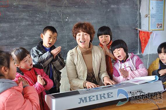 莱阳有位机器人地址女厨师(图)校长昌州小学图片
