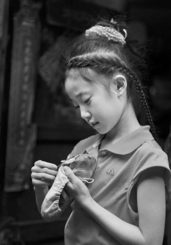 公主发型10岁小女孩