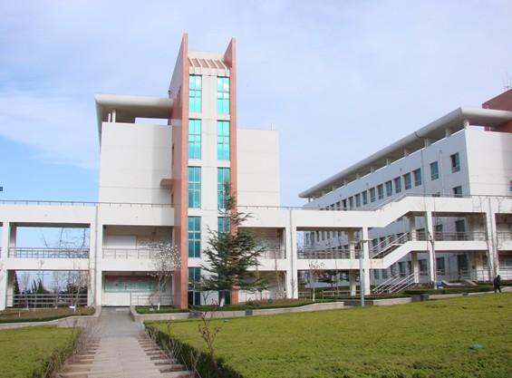 烟台开发区高级中学:美丽校园