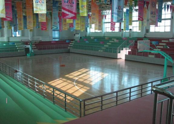 烟台开发区高级中学:完善的校园设施