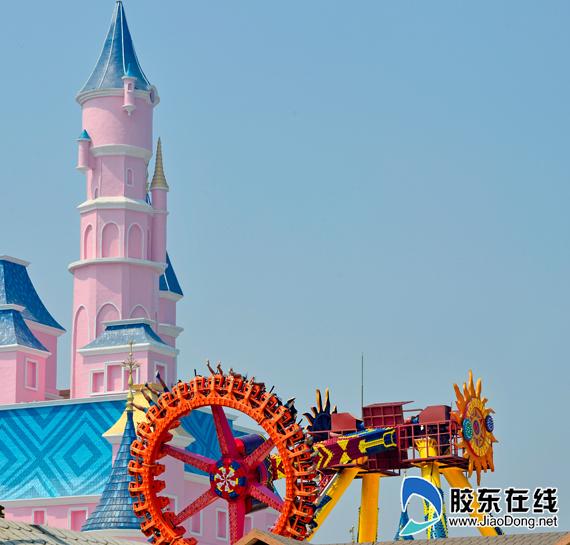 蓬莱欧乐堡梦幻世界上演顶级派对 国庆游客爆棚图片