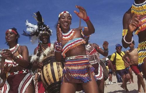 赞比亚女人安哥拉土著舞蹈莫桑比克女人津巴布韦的