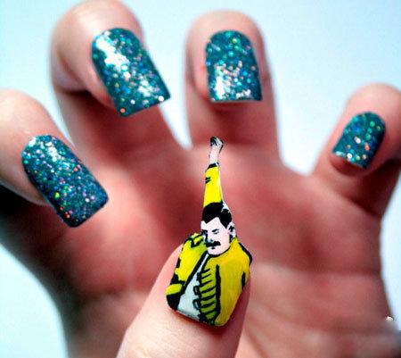 组图:艺术扮靓双手 英女大学生打造创意美甲
