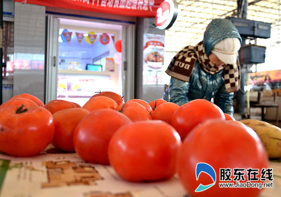 """冷冻海鲜图片_临近春节石狮冷冻海鲜市场并不""""冷""""图"""