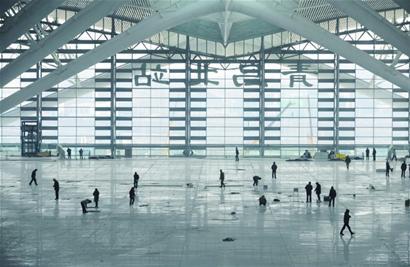 青岛北站今天通车 候车大厅不区分候车室(图)