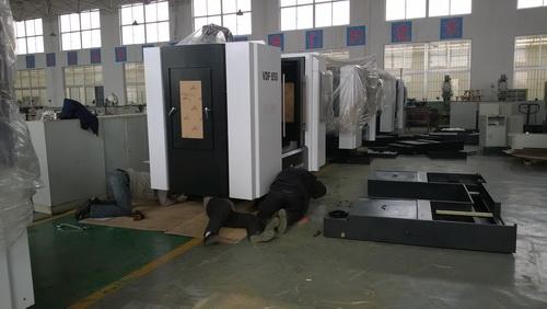 烟台机械工程学校数控车间新设备到位