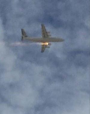 澳大利亚珀斯飞机一侧引擎起火