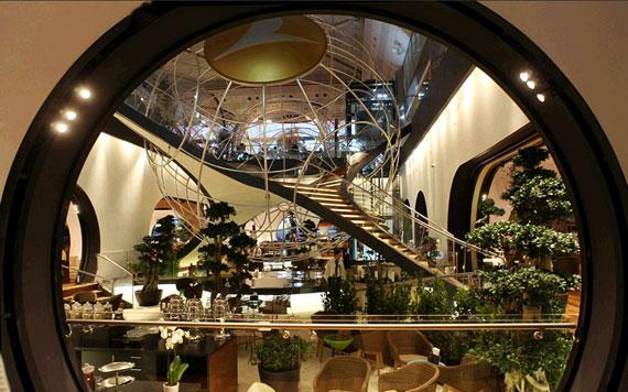 钢琴水疗雪茄香槟 探秘世界五大奢华机场贵宾室
