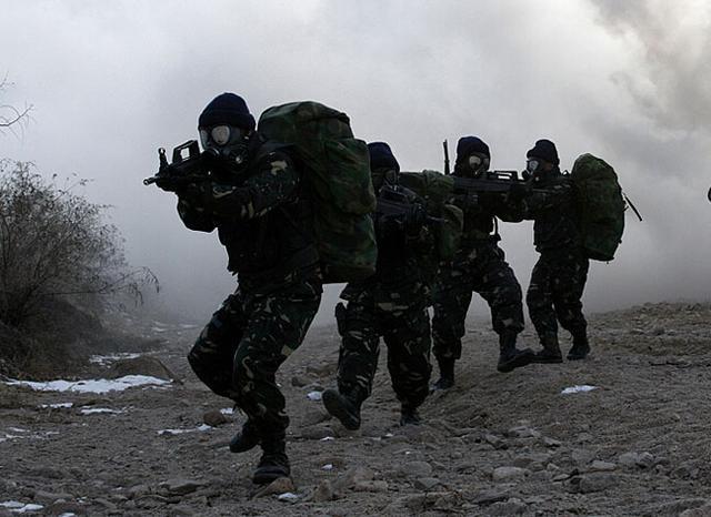 中国特种兵曾赴外国学习 11国精英比武中夺冠 军事 网