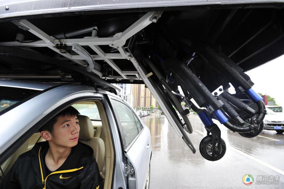 高中生驾车发明科技箱残疾人车载再无忧4v科技轮椅高中图片