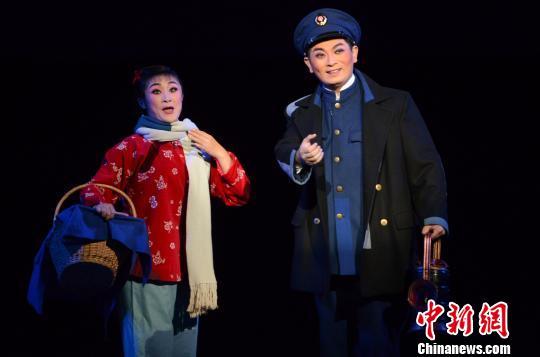 相隔40年复排红色经典京剧《红灯记》精彩上演